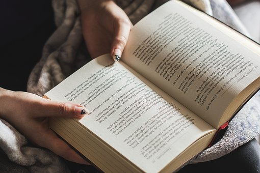 Les avantages de lire un bon livre en 7 points